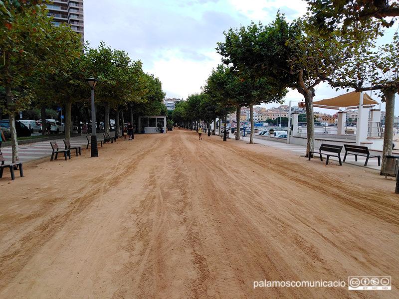 El tram del passeig del Mar de Palamós que s'arranjarà, en una foto d'aquest matí.