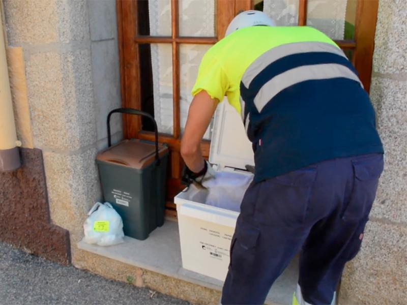Recollida de residus porta a porta a Calonge. (Foto: Ajuntament de Calonge i Sant Antoni).