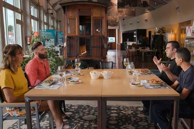 Els restaurants Maria de Cadaqués i La Salinera, avui a Joc de Cartes.