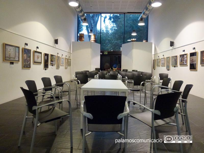 Sala polivalent de la Biblioteca Lluís Barceló i Bou de Palamós.