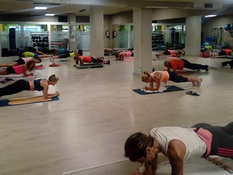 Classe d'un gimnàs palamosí mantenint les distàncies de seguretat. (Foto: Gimnàs Club Esportiu Palamós).