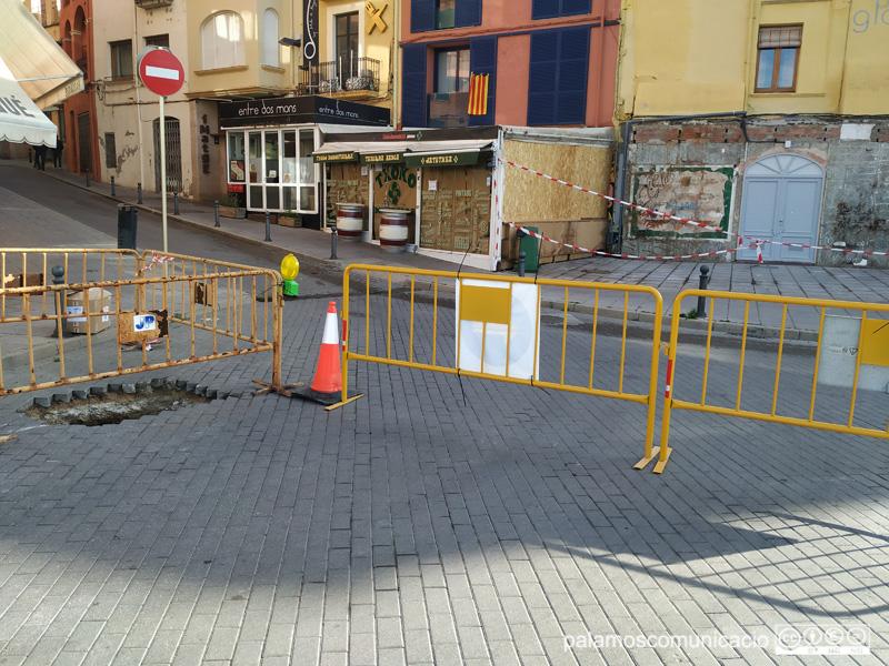 Els canvis obliguen als vehicles que baixen del Tauler i Servià, anar en direcció a la plaça de Sant Pere, i acabar sortint per la Catifa.