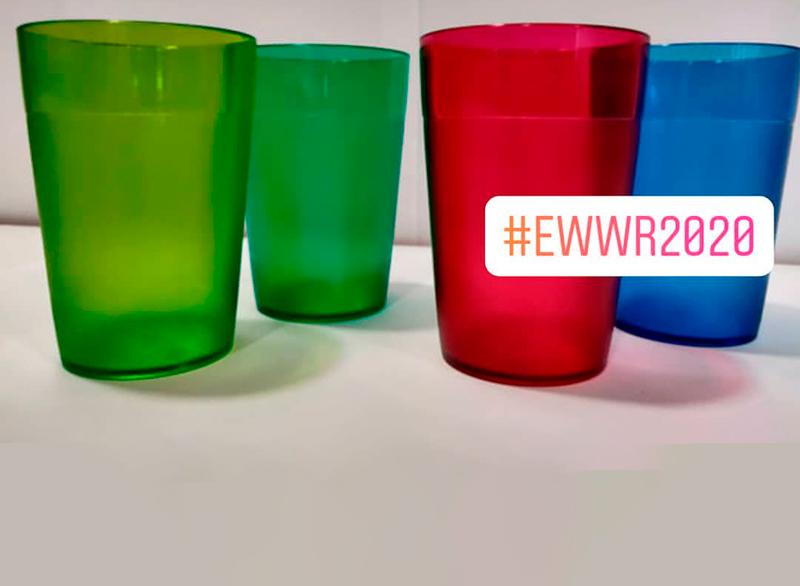 Els envasos reutilitzables, tenen un color diferent segons la planta d'hospitalització. (Foto: SSIBE).