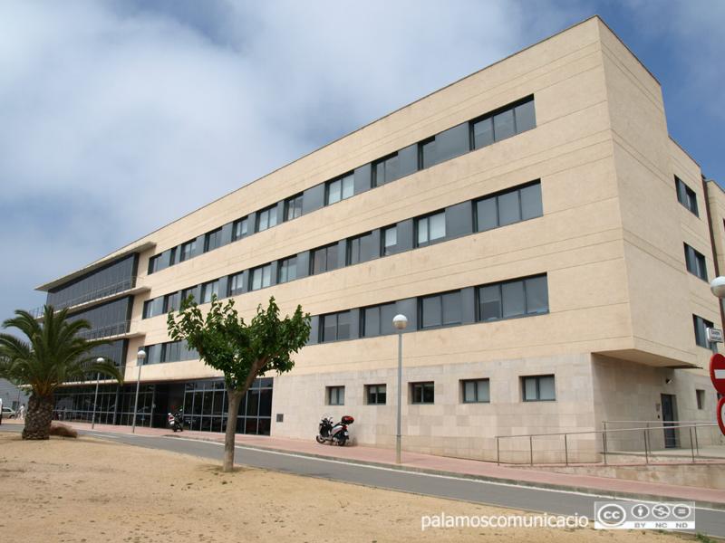 El Centre Palamós Gent Gran, on s'ha detectat un brot que afecta a 32 usuaris i 15 professionals.