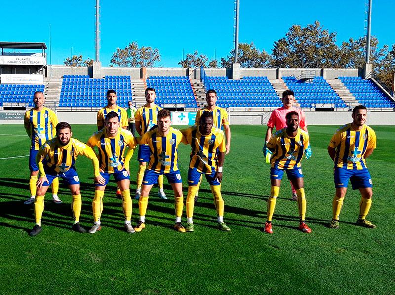 Onze inicial del Palamós en el darrer partit disputat, el passat 11 d'octubre amb el Tona. (Foto: Palamós CF).