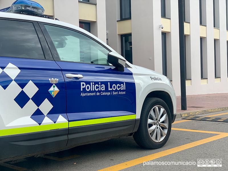 La Policia Local de Calonge i Sant Antoni ha interceptat a Palamós el cotxe fugitiu.