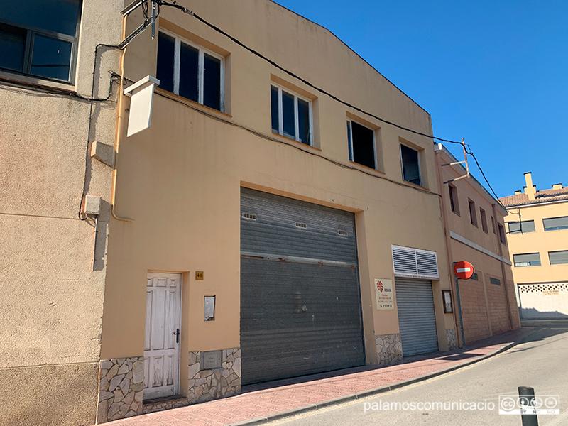 Un dels espais de lloguer de la Brigada Municipal, al carrer de Josep Joan.