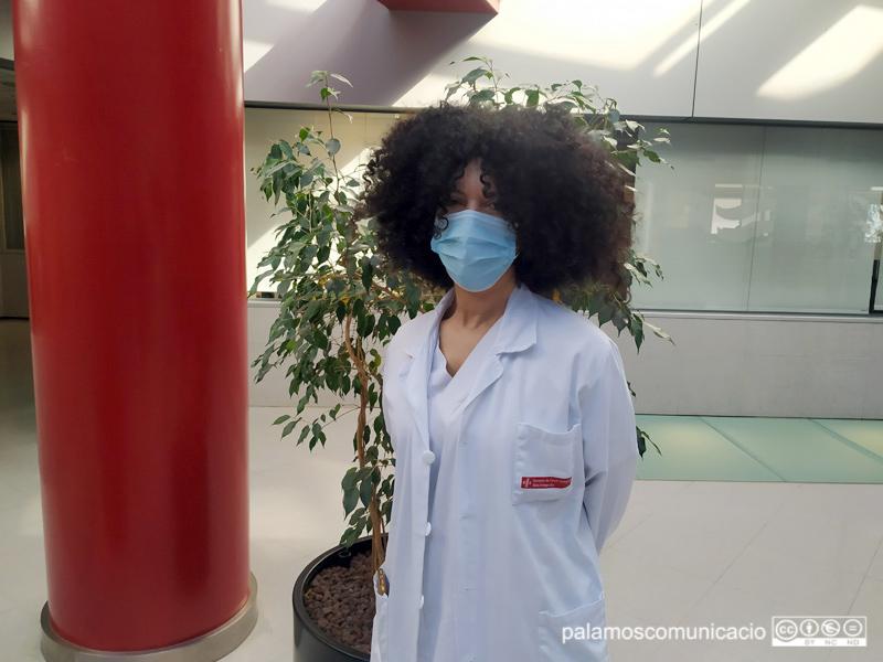 Yamina El-Haddouchi és la mediadora intercultural de l'hospital de Palamós.