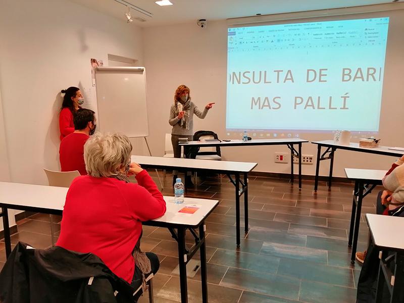 Imatge d'una de les sessions de participació de barri. (Foto: Ajuntament de Calonge i Sant Antoni).