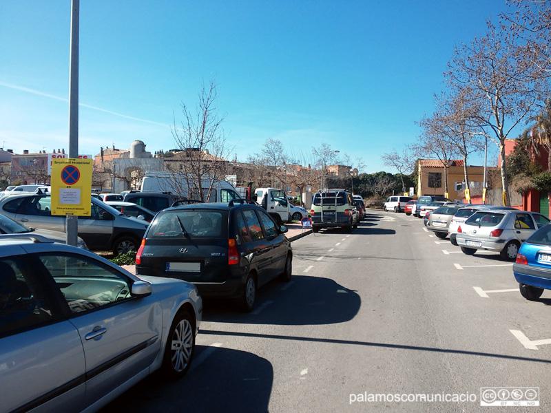 Senyalització al carrer del Terç dels Napolitans informant del 'Fem dissabte'.