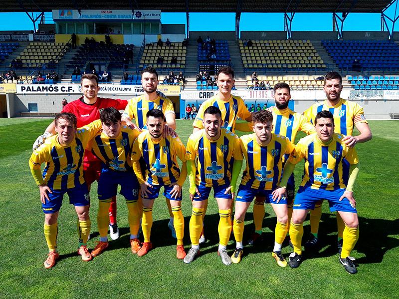Onze inicial del Palamós CF en el partit disputat davant el Vic Riuprimer (Foto: Palamós CF).