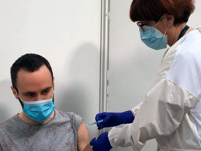 Vacunació a col·lectius essencials al Palau Firal de Sant Antoni, el passat mes de febrer. (Foto. SSIBE).