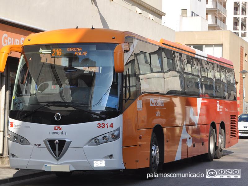 Autobusos de la companyia Sarfa a Palamós.