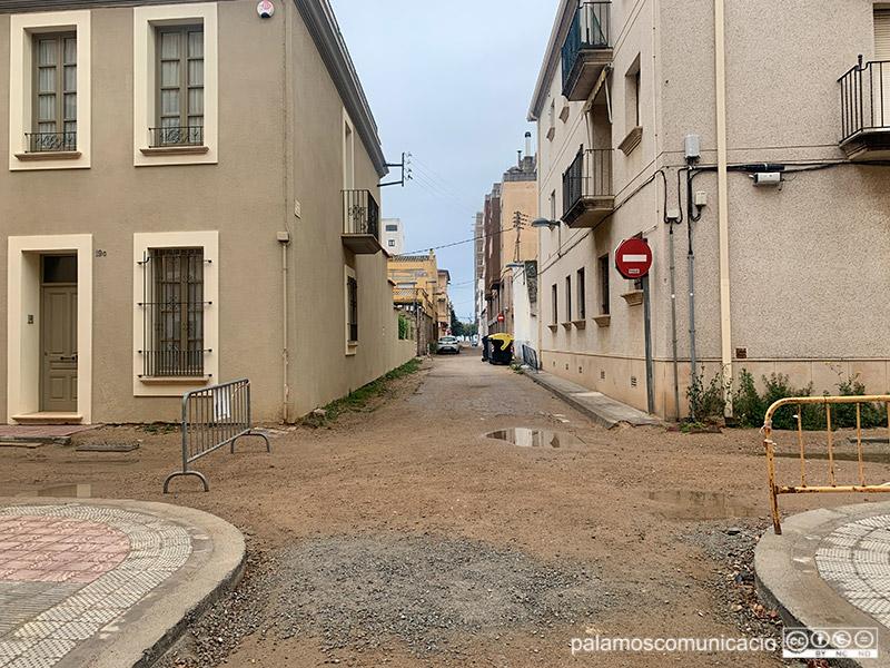 Estat de les obres de l'Eixample, a la cruïlla dels carrers de la Mercè i Santa Marta, aquest matí.