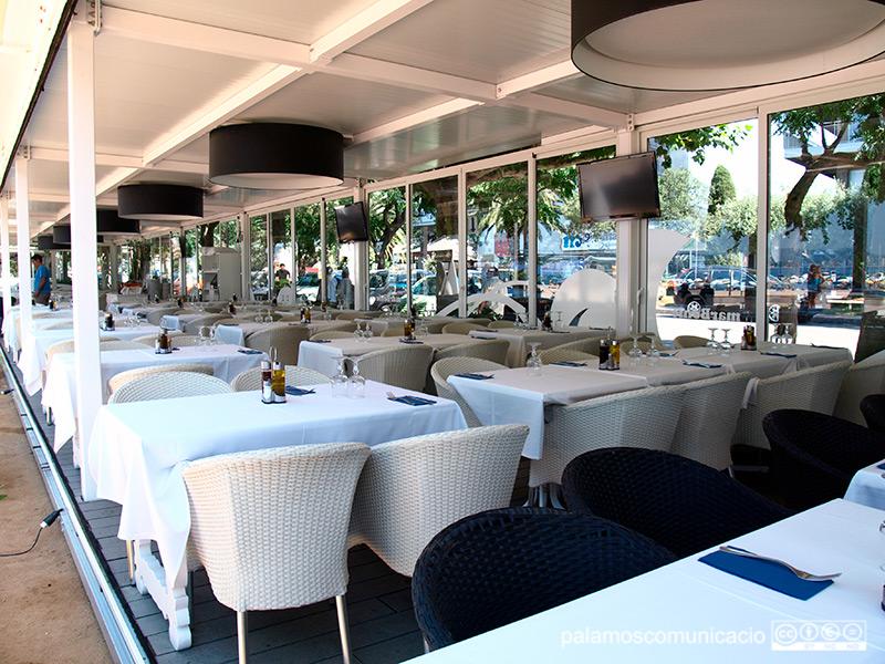 Bars i restaurants podran obrir a partir d'aquest diumenge fins a les 11 de la nit.