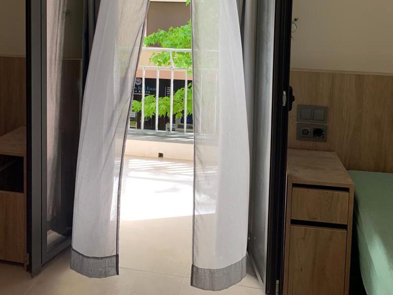 Interior d'una habitació de la nova residència. (Foto: Palamós Mar).