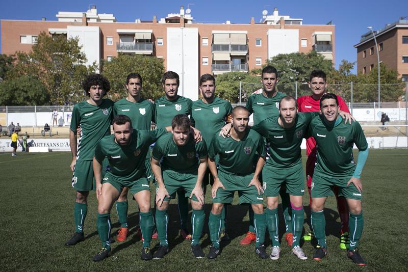 Els jugadors del Palamós CF abans de saltar al terreny de joc (Foto: UE Castelldefels)