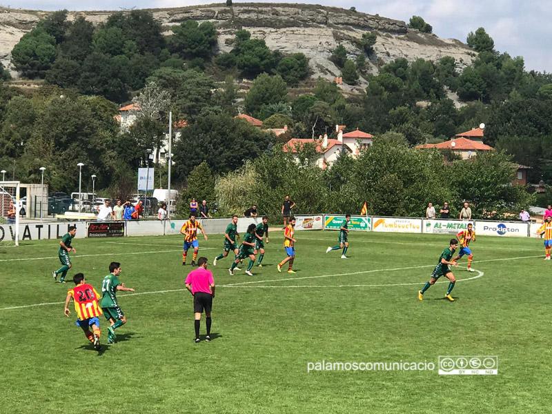 El Palamós CF ha aconseguit la primera victòrita a la Primera Catalana davant la UE Tona(1-2)