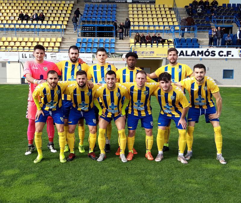 L'equip inicial del Palamós CF que ha superat per la mínima a la Jonquera (1-0) (Foto: Palamós CF)