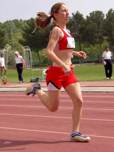 Elena Fonalleras, campiona de Catalunya júnior de 3000 metres en pista coberta
