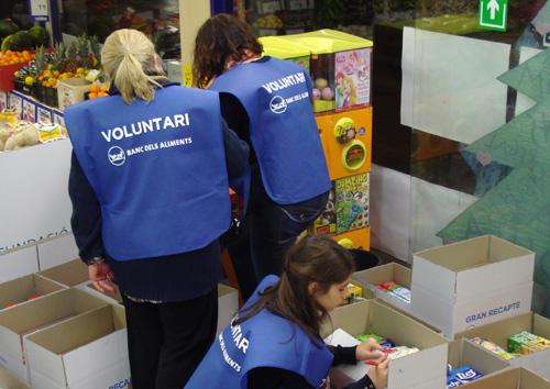 Voluntaris en la recent edició del Gran Recapte d'Aliments a Palamós.