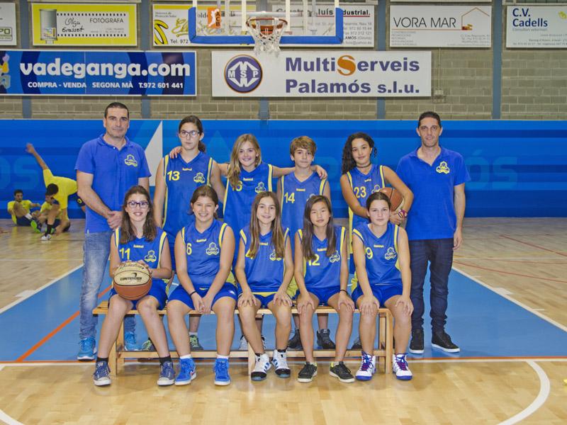L'equip pre-infanitl femení del Club Esportiu Palamós. (Foto: Olga Grassot.)