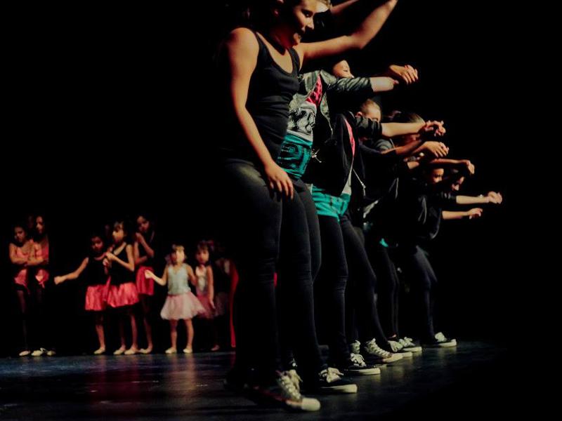L'escola de dansa Georgina Ors participa en l'espectacle benèfic de l'Associació Catalana d'Afectats de Fibromiàlgia.