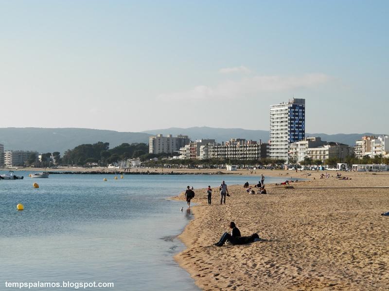 Bonança climatològica, aquest cap de setmana a Palamós. (Foto: Jordi Fernández).