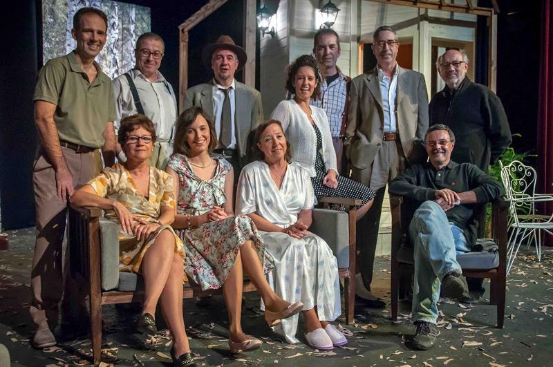 El repartiment de 'Tots eren fills meus' de Gespa Teatre.