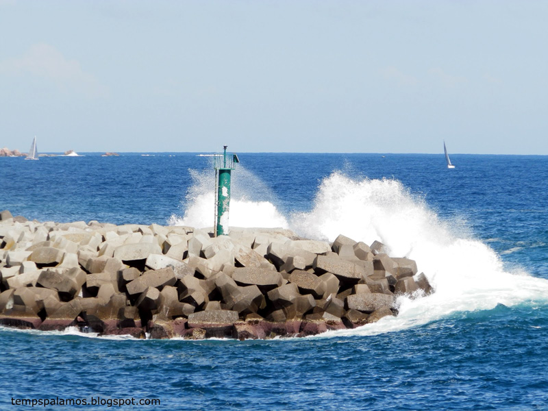 Ressaca de mar, el passat dissabte. (Foto: Jordi Fernández tempspalamos.blogspot.com).