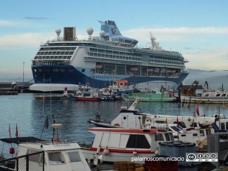 El Tui Discovery és el vaixell més gran de la flota de la naviliera Thomson Cruises.