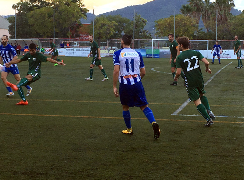 Derrota clara avui del Palamós al camp de Les Grasses. (Foto: Santfelieunc FC).