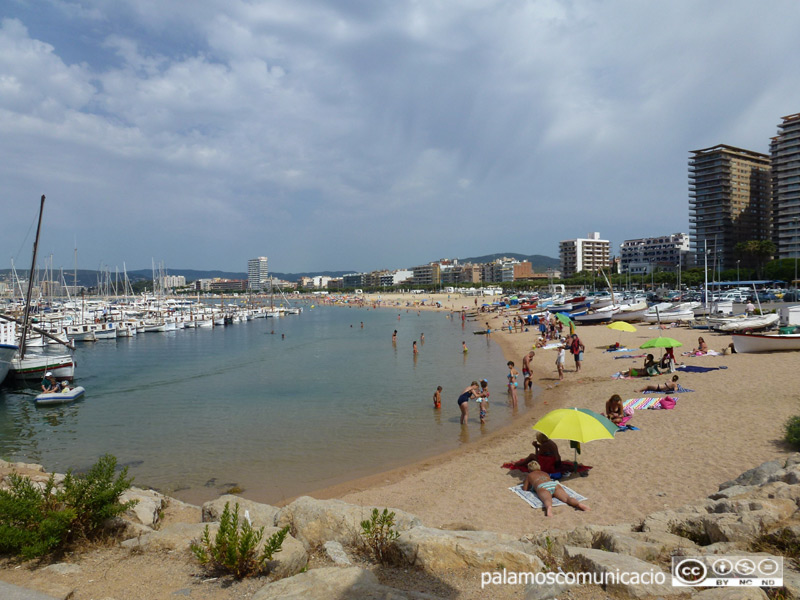 La platja Gran de Palamós, un dels espais de la campanya de control i inspecció de platges.