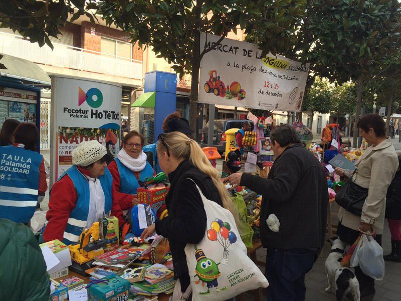 El Mercat de la Joguina Solidària ven joguines a preus simbòlics. (Foto: LL.P).