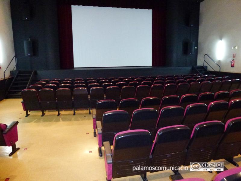 El Teatre La Gorga està equipat per fer projeccions cinematogràfiques.