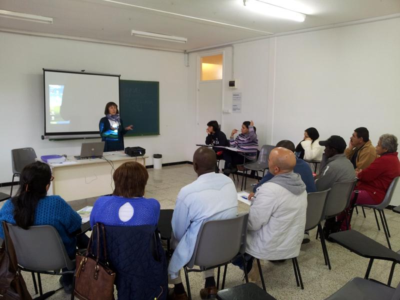 Una sessió formativa per a persones nouvingudes. (Foto: Àrea de Ciutadania).