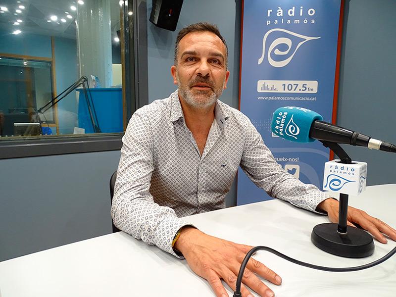 Cristobal Posadas, regidor electe de Ciutadans, als estudis de Ràdio Palamós.