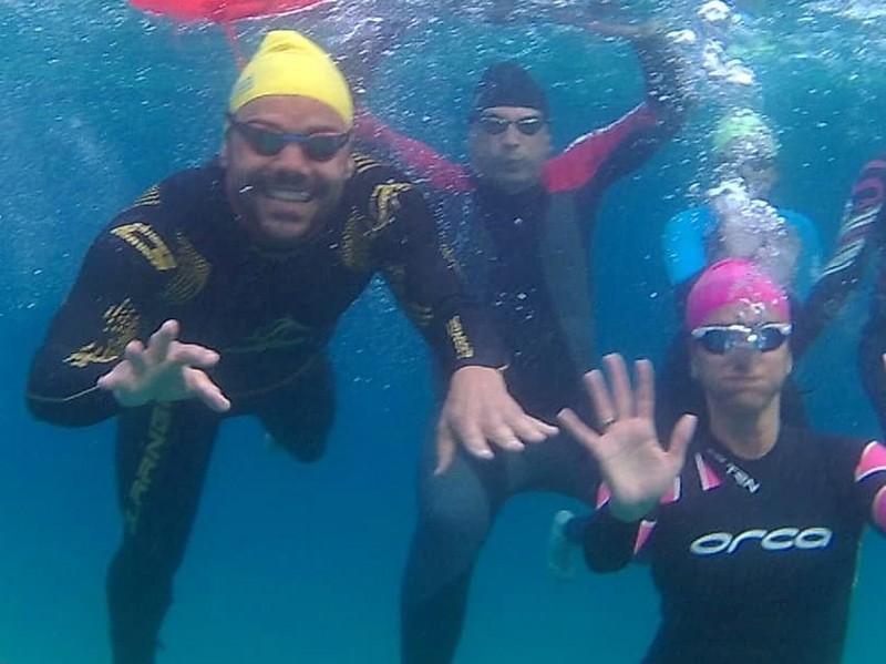 Integrants del Club Natació Palamós en un entrenament en aigües obertes. (Foto: facebook CN Palamós).