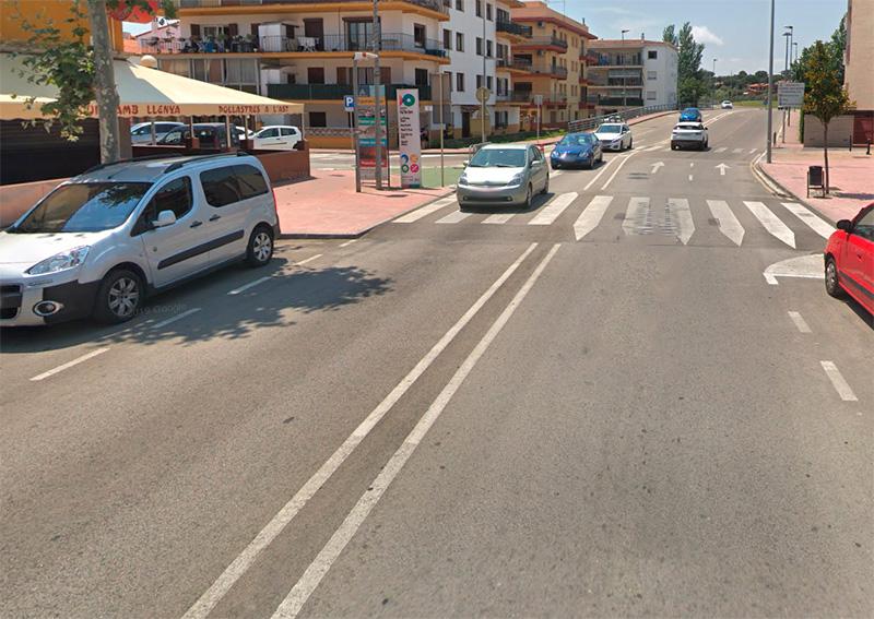 La dona va ser atropellada en aquest pas de vianants de l'Avinguda de Catalunya. (Foto: Google Maps).