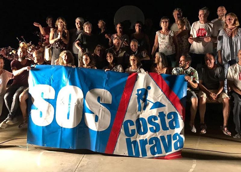 La plataforma SOS Costa Brava celebra el seu primer aniversari.