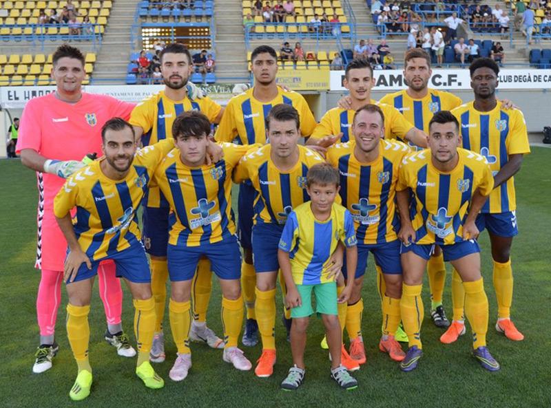 El Palamós CF 2019-2020 comença demà la lliga al camp de la Fundació Grama. (Foto: Sergi Cortés).
