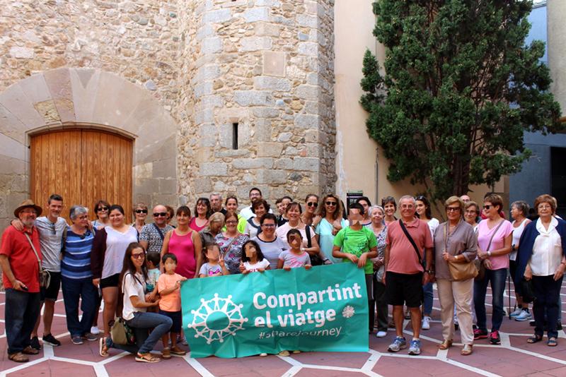 Participants de la marxa que forma part de la campanya 'Compartint el viatge'. (Foto: Càritas Interparroquial Palamós-Sant Joan).