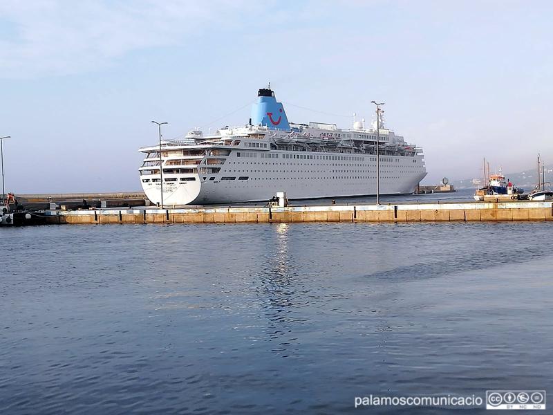El Marella Dream, avui al port de Palamós.