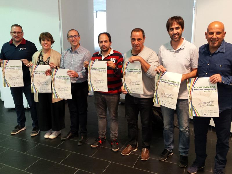 Presentació del Pla de formació per a entitats esportives a la Biblioteca de Palamós. (Foto: Ajuntament de Palamós).