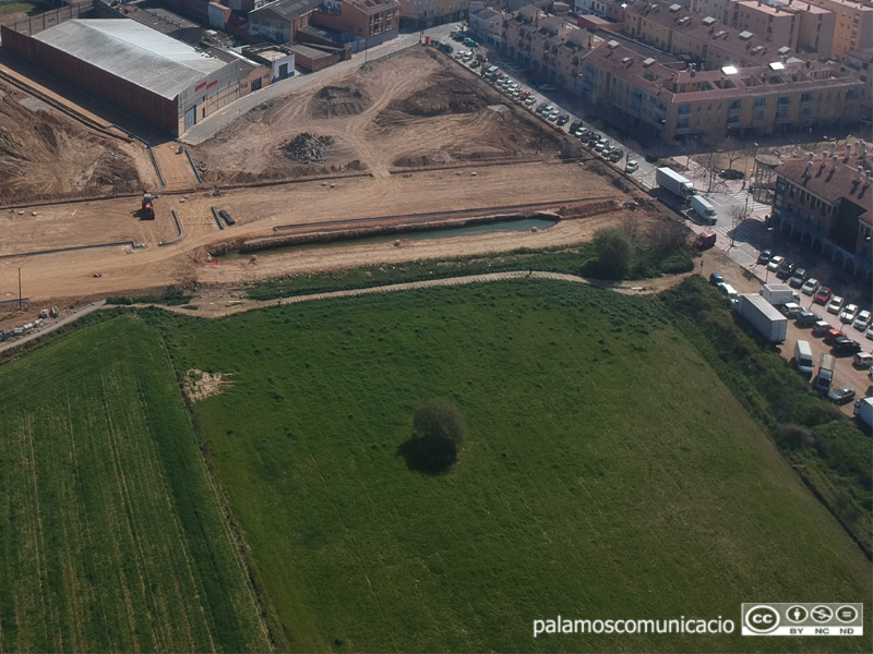 Terrenys on s'ubicarà la nova estació d'autobusos de Palamós.