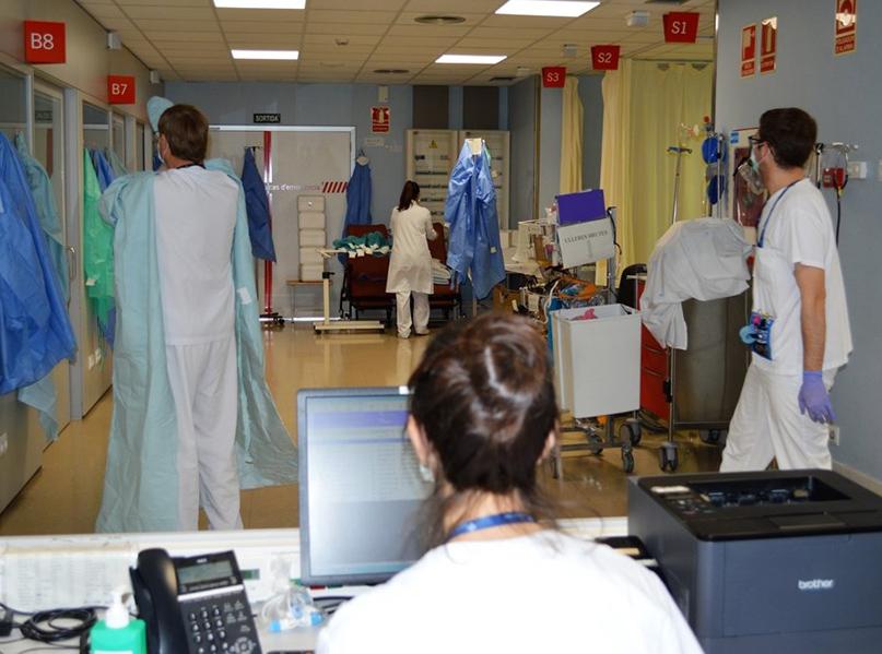 Treballadors de l'hospital de Palamós. (Foto: SSIBE).
