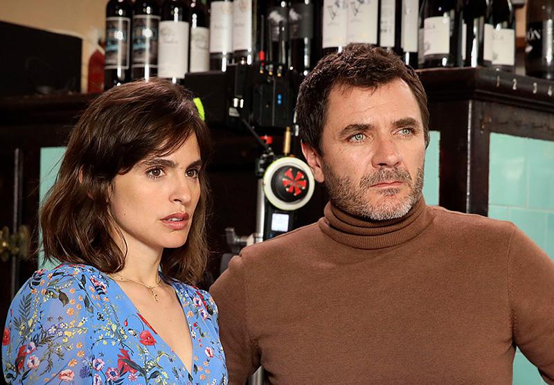 Verónica Echegui i Àlex Brendemül, dos dels protagonistes de 'L'ofrena'.