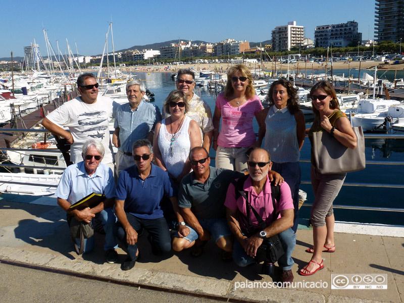 Amics de les Illes Formigues renova la seva junta. Isabel Ruiz, dempeus a la dreta de la imatge, és la nova presidenta.