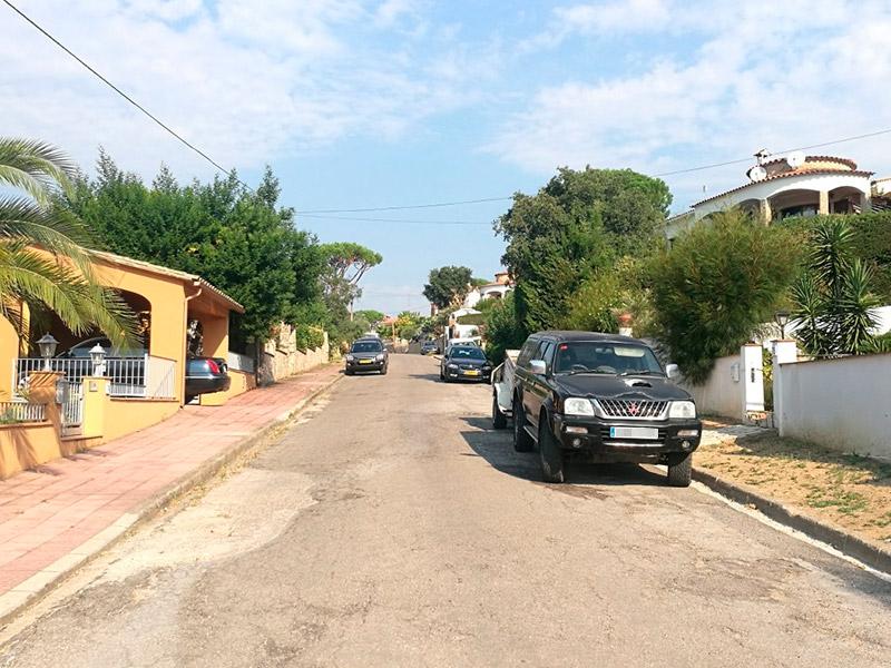 Un carrer de l'Urbanització de Mas Pere. (Foto: Ajuntament de Calonge i Sant Antoni).