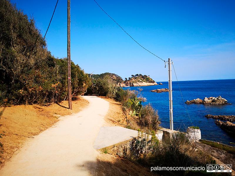 Tram del camí de ronda entre S'Alguer i Castell.